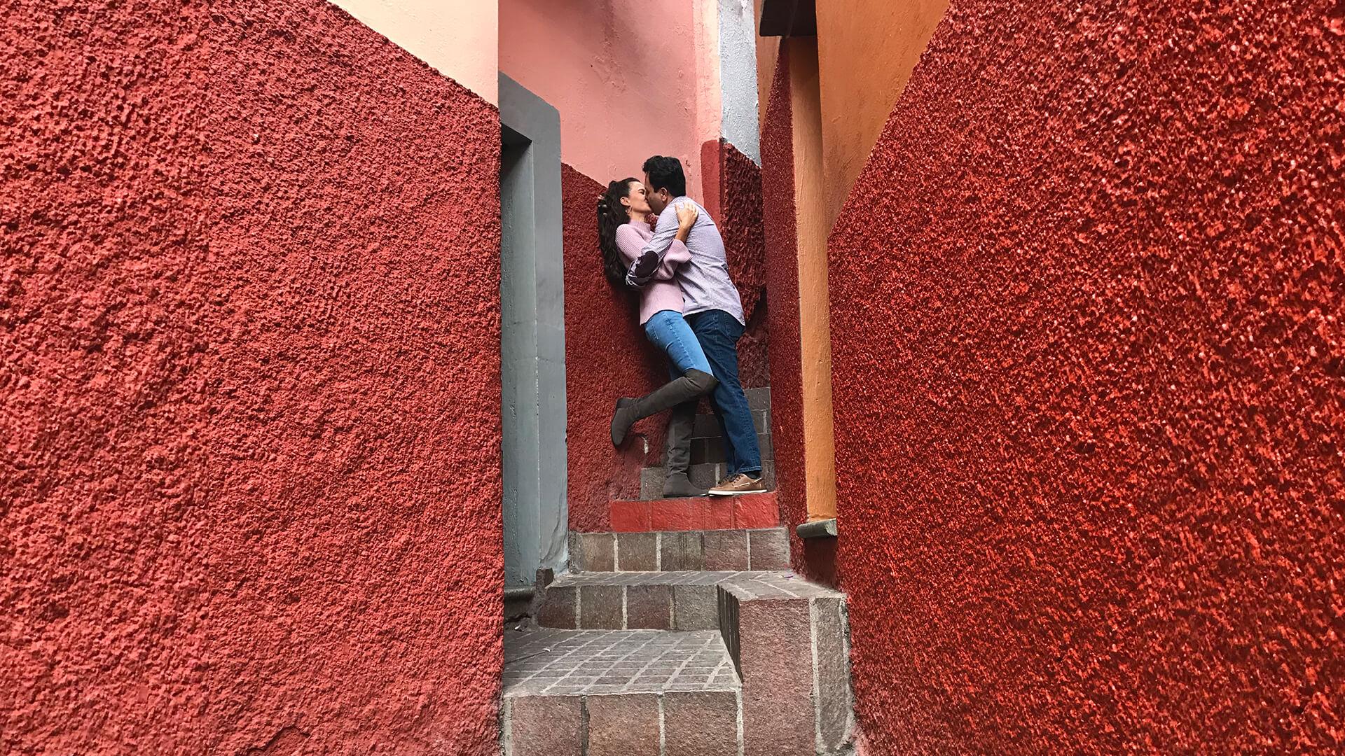 El Callej 243 N Del Beso Una Historia De Amor En Guanajuato
