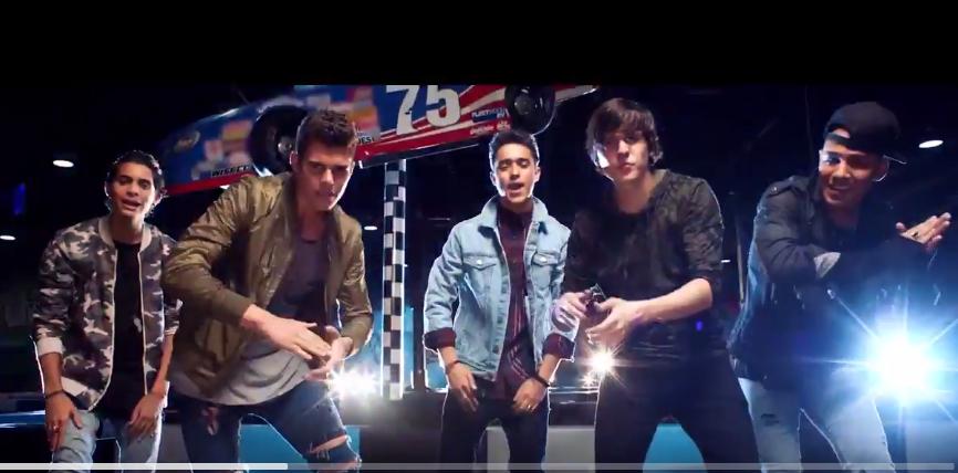 Cnco Estrena Video De Reggaet 243 N Lento La Favorita De