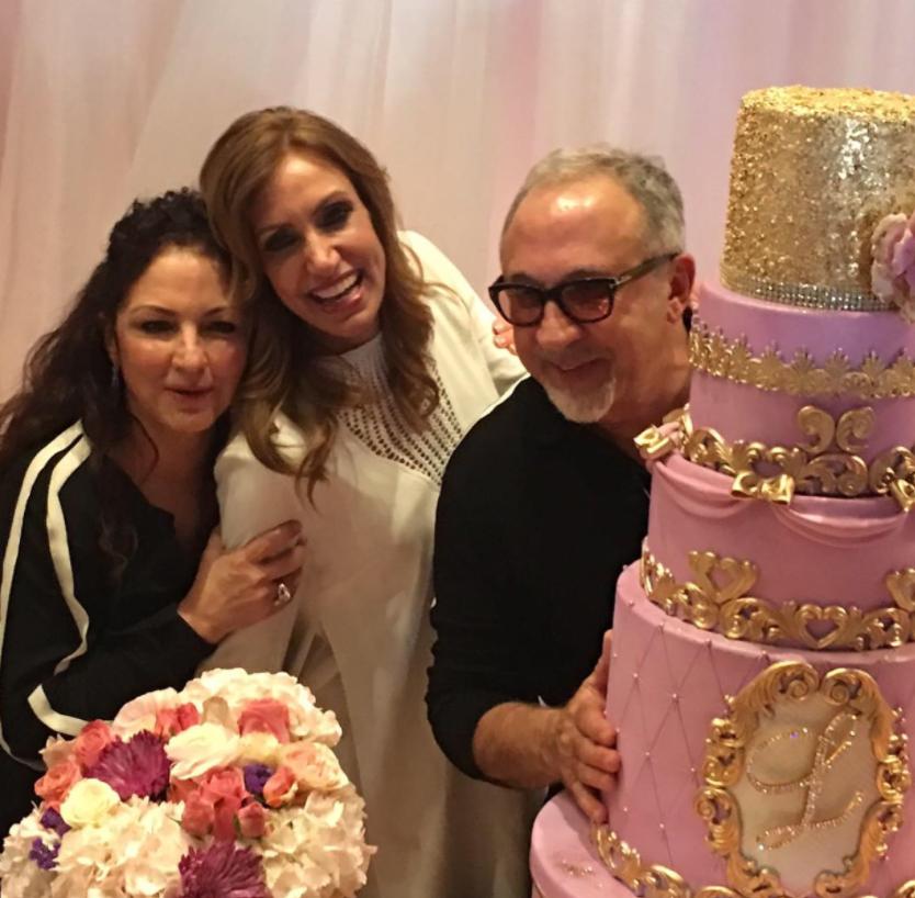 Con Un Pastel Gigante, La Flaca Lili Estefan Celebró Su Cumpleaños 50