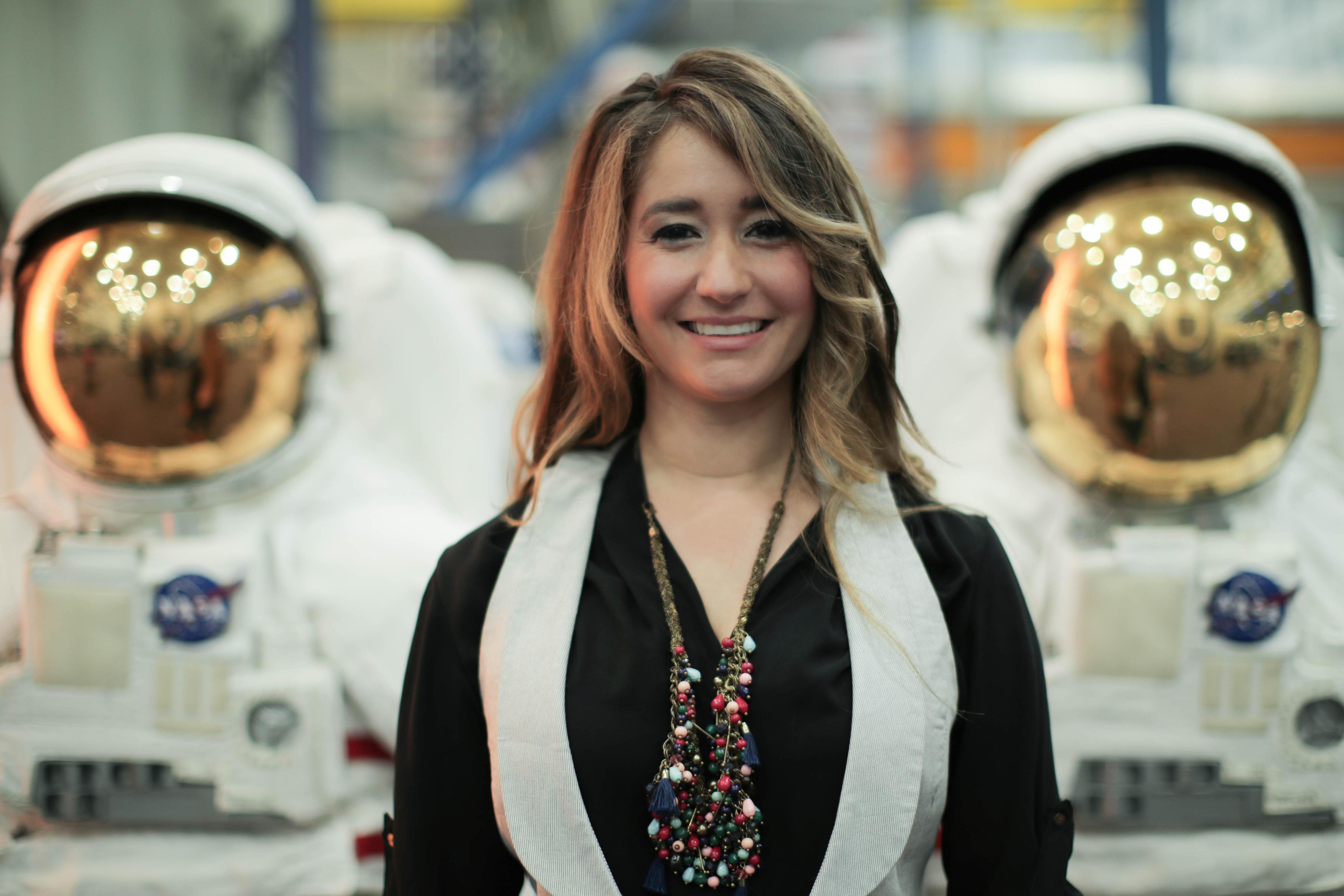 Las gemelas latinas de la NASA: como les costaba el inglés, se ...