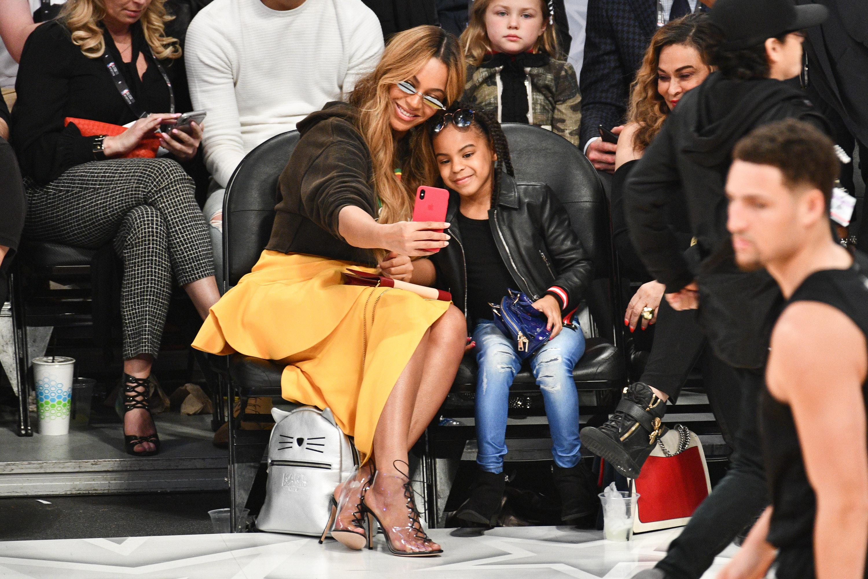 Beyonce, Schwarzenegger y más en el desfile de celebridades en el All Star Game de la NBA