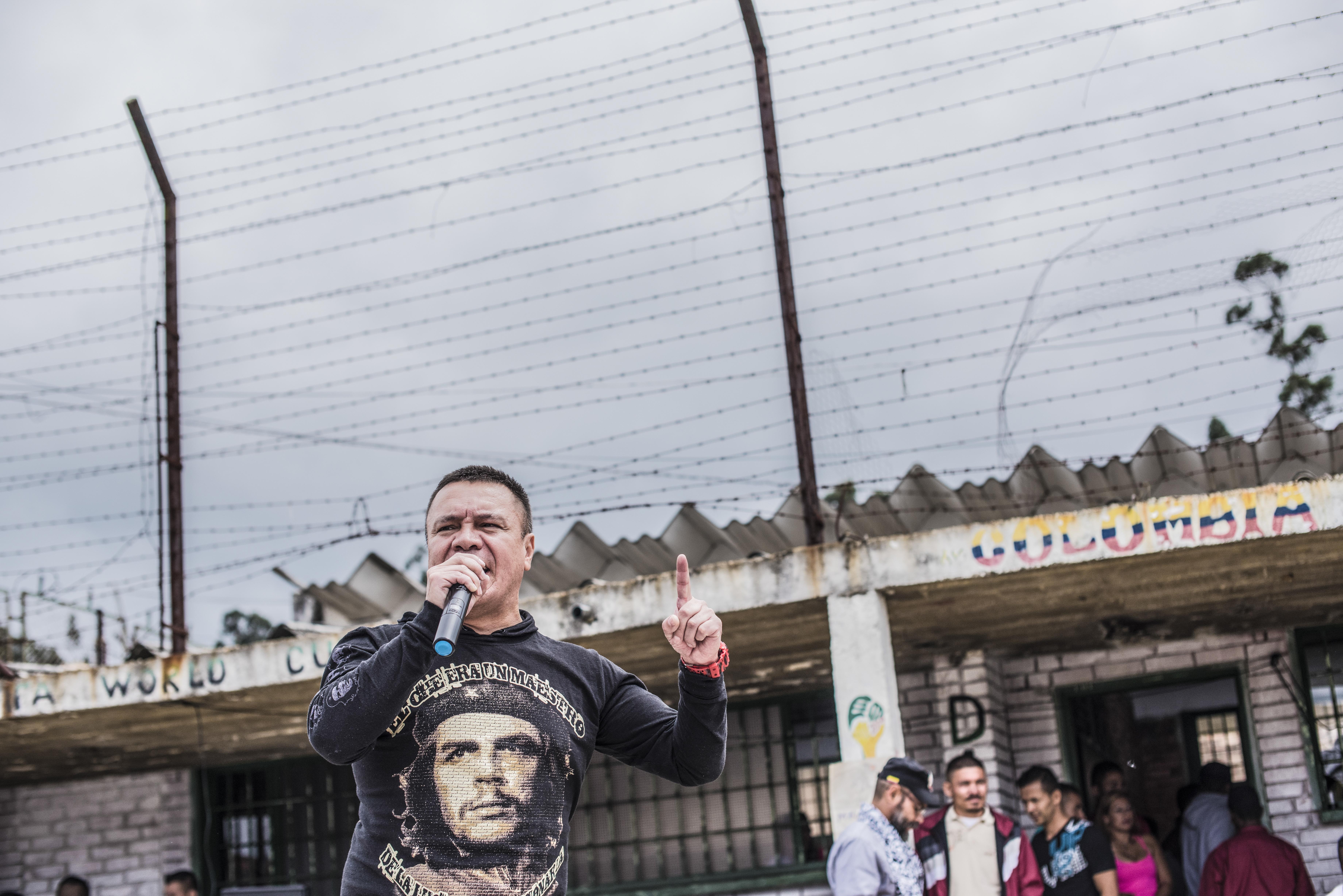 Liberado un funcionario de la ONU que estaba secuestrado por un grupo disidente de las FARC Univision