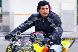 Diego Olivera se sacó un diez con sus acrobacias.