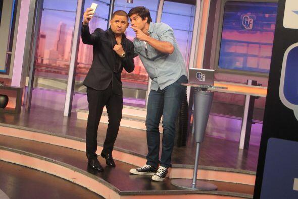 También aprovechó para tomarse una fotografía con Danilo, ¿qué tal?