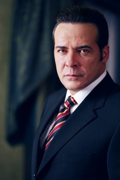 """César Évora es """"Esteban"""", un importante empresario. Fue criado por sus t..."""