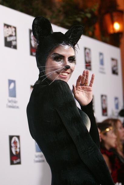 Su disfraz de gatita del 2007 no le pide nada a los más recientes.