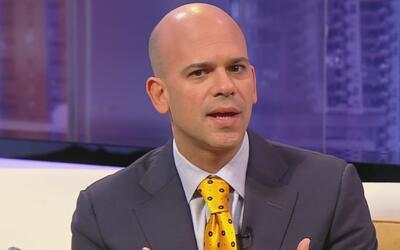 El doctor Juan Rivera, experto en temas médicos de Univision, presenta s...
