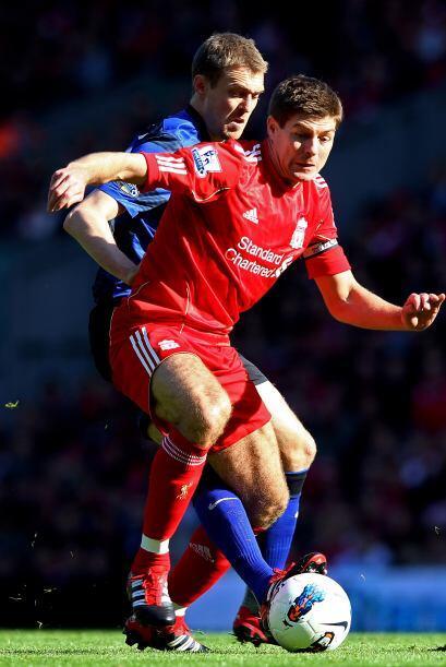 Liverpool y Manchester United protagonizaron el clásico de la fec...