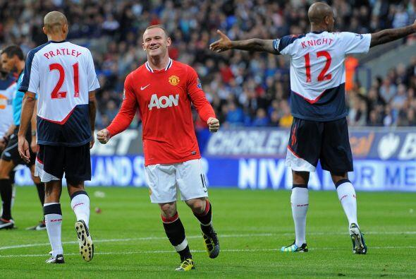 La dupla 'Chicharito-Rooney' sigue impecable. Wayne Rooney se destacó co...