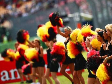 El Gran Premio de Alemania empezó con un desfile de la belleza lo...