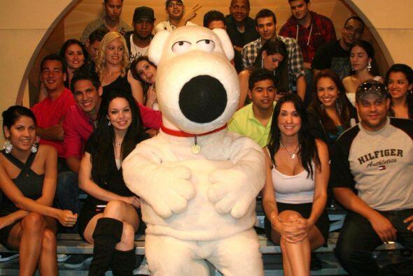 La mascota de Family Guy visitó a la jauría,