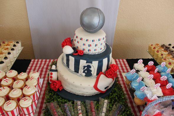 El pastel lucía tan increíble que hasta daba pena comerlo.