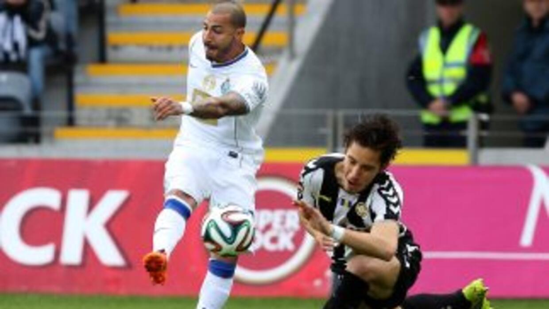 Quaresma falló un penalti y el Porto cayó, por lo que Benfica se despega...
