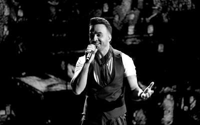LAS VEGAS, NV - NOVEMBER 16: Luis Fonsi performs onstage at the 18th Ann...