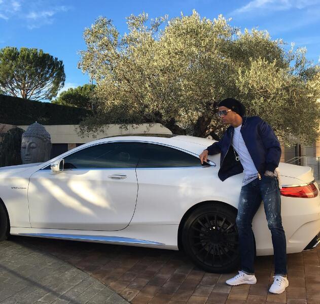 Cristiano Ronaldo, el amante de los autos: Conoce su garaje en esta galería