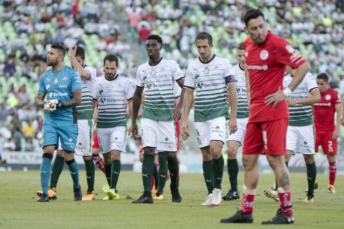 Santos 0-0 Toluca en la Comarca Lagunera 20170910_1571.jpg