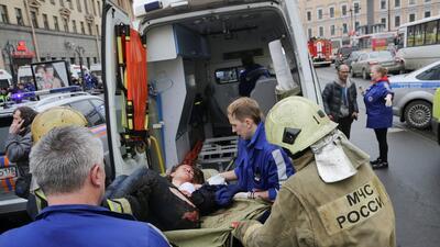 Una explosión en el metro de San Petersburgo, Rusia, deja al menos 10 mu...