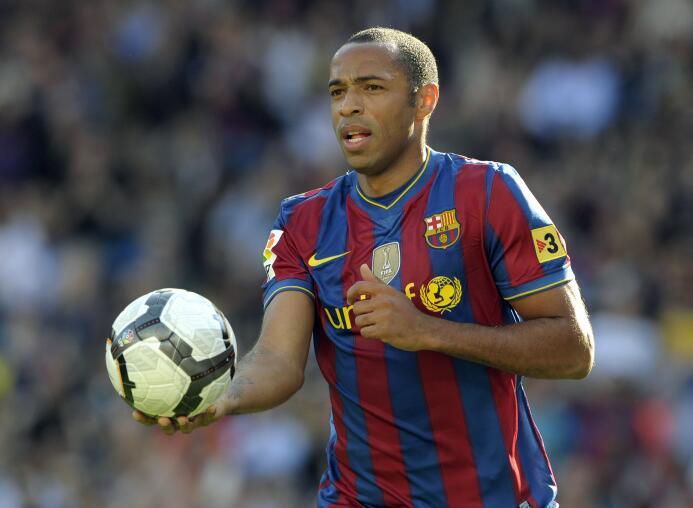 Delantero: el otro que aparece en el ataque es Thierry Henry, que entró...