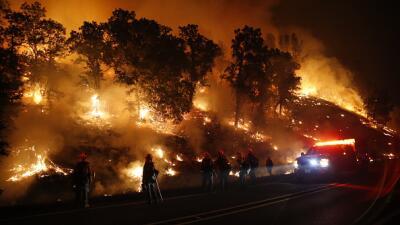 """""""Valley Fire"""" deja destrucción y un fallecido en el norte de California..."""