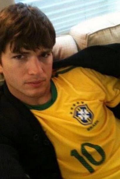 Ashton Kutcher apoyó a Brasil contra Alemania. Mira qué triste quedó.Tod...