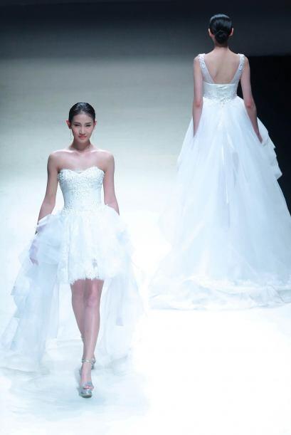 La sofisticación y elegancia se hizo presente en esta colección traída d...