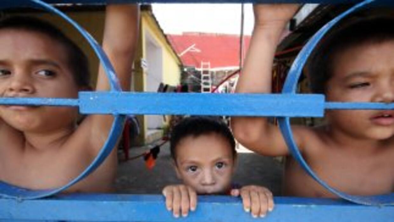 Mientras California está dividida por la llegada de niños centroamerican...