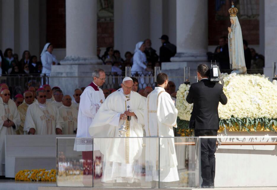En fotos: El Papa declara santos a Francisco y Jacinta Marto, los pastor...