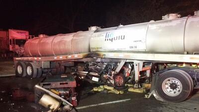 Rescatan a conductor de accidente al este de Austin