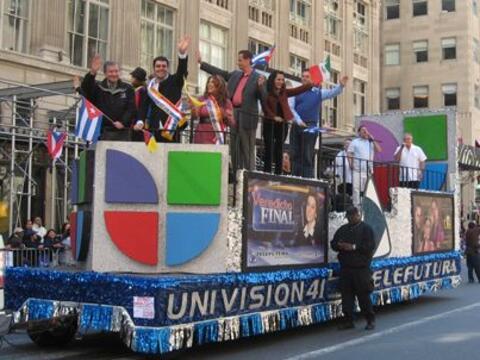 Como es tradición anual, el desfile de la Hispanidad tomo lugar e...