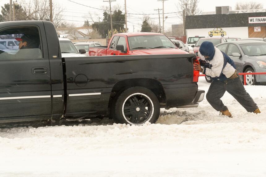 Desastres en varios estados por tormentas, lluvias y nieve nevada-texas1...