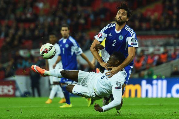 Danny Welbeck también puso su nombre en el marcador, el delantero ahora...