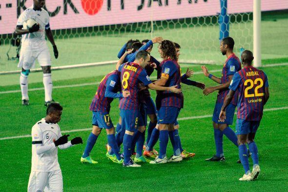 A pesar de la mala noticia, el Barcelona golpeó nuevamente. Adriano marc...