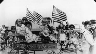 Niños en el centro de inmigrantes de Ellis Island (Nueva York) en 1905.