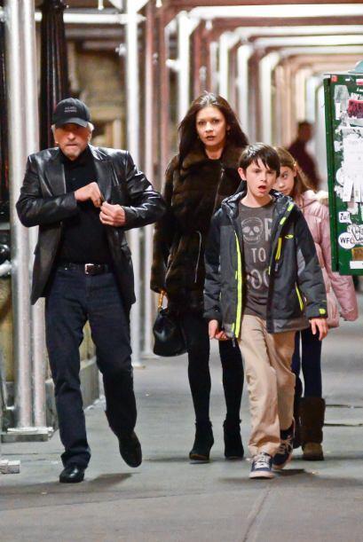 El actor de 69 años y la famosa de 44 fueron vistos por primera vez junt...