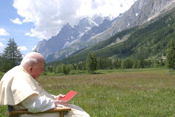 Las direcciones son: una nueva evangelización, el ecumenismo, el comprom...