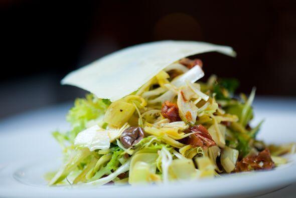 Un consejo. Para elegir las alcachofas más frescas para tu ensalada debe...