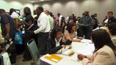Bajó el índice de desempleo en Estados Unidos y entre los hispanos