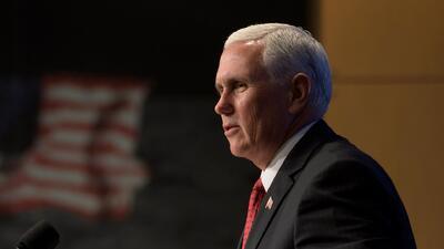"""Mike Pence dice que van a construir el muro """"a lo largo de toda"""" la frontera con México"""