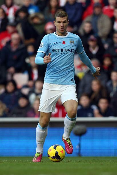 El atacante del Manchester City llegó a la Liga Premier en 2011 por 32 m...