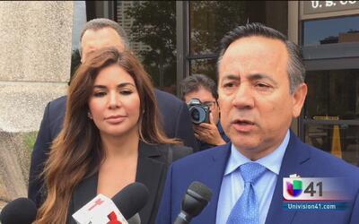 El senador estatal Carlos Uresti se presenta ante la Corte Federal
