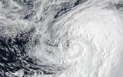 375 mil evacuados en Nueva York por megatormenta huracanes_NASA.NOAA.Jef...
