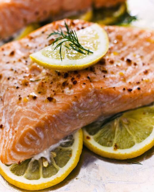 El pescado en general y en particular el salmón, es rico en Omega...