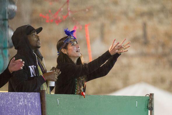 La actriz de 'Gravity' estaba disfrutando el carnaval.