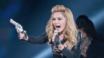 La controvertida cantante Madonna fue insultada por sus fanáticos de Paris.