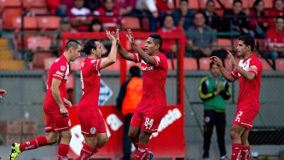 Omar Arellano marcó en dos ocasiones