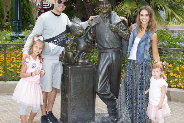 Jessica Alba se la pasó de maravilla  con su esposo, Cash Warren, y sus...