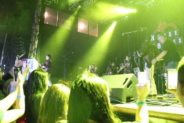 La Trakalosa de Monterrey prendió la fiesta del VIP Tour de Premios Juve...