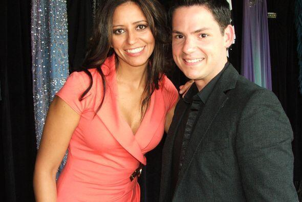 Adriana Calhoon y Arnaldo Rojas, presentadores de Primera Edición y Vive...
