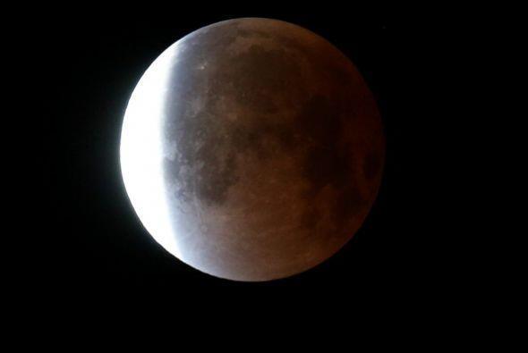 El eclipse lunar desde Miami, Florida.