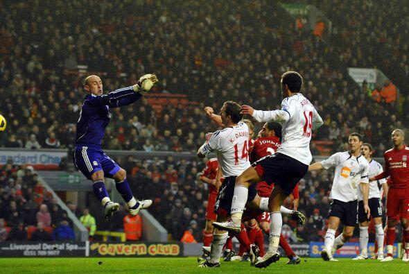 Fernando Torres y Joe Cole anotaron para el Liverpool, Mark Davies hizo...